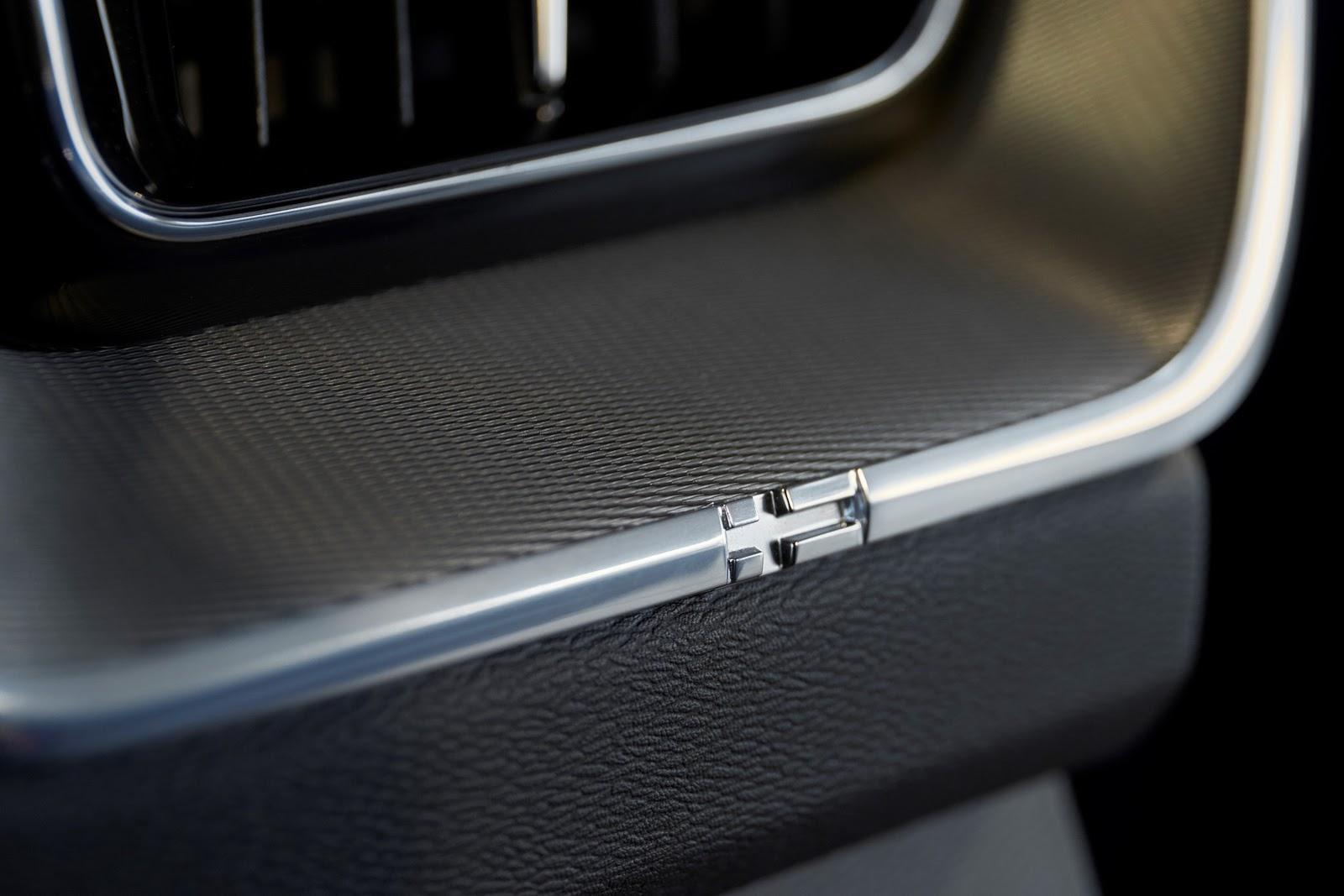 Volvo XC60 2018 (31)