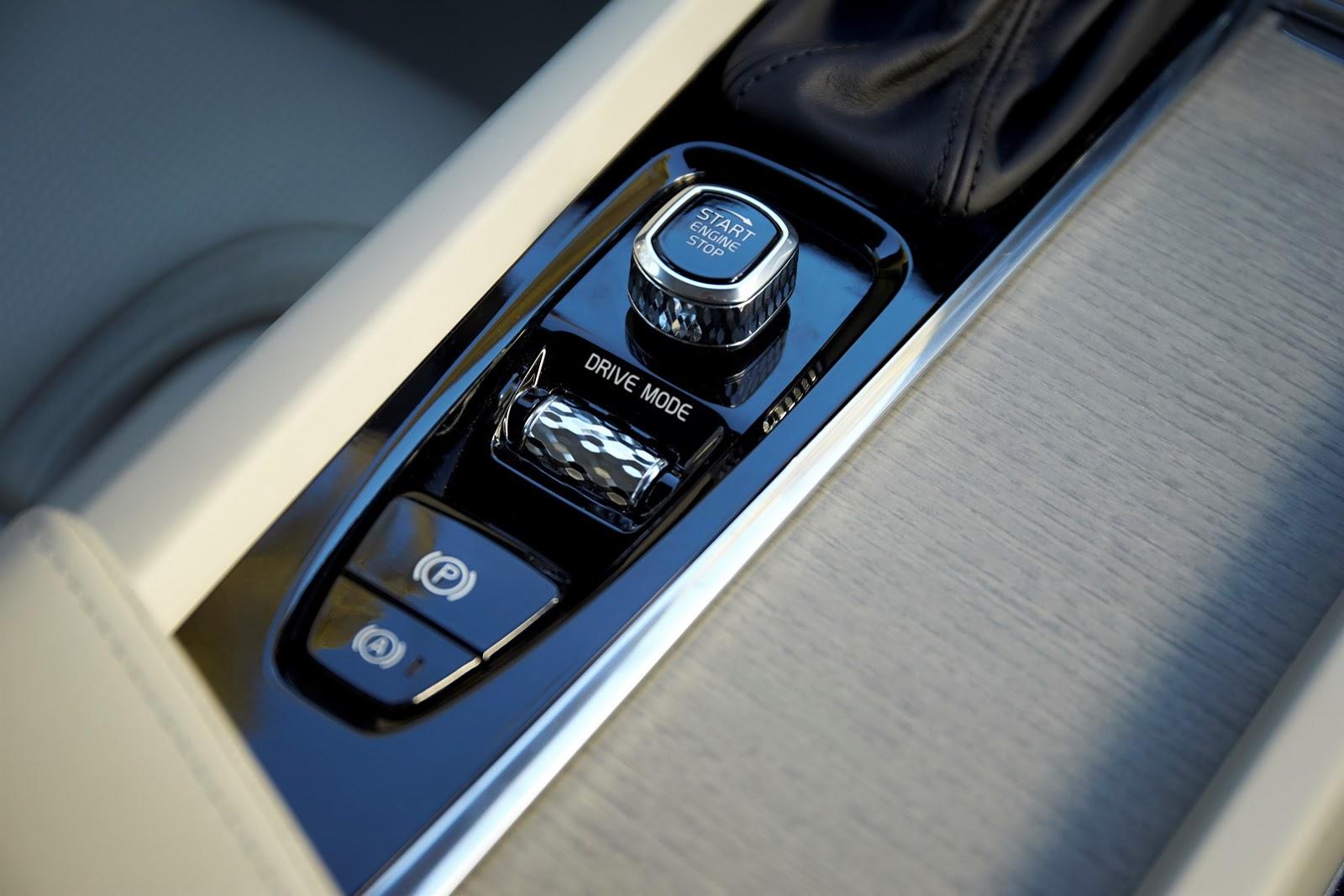 Volvo XC60 2018 (36)