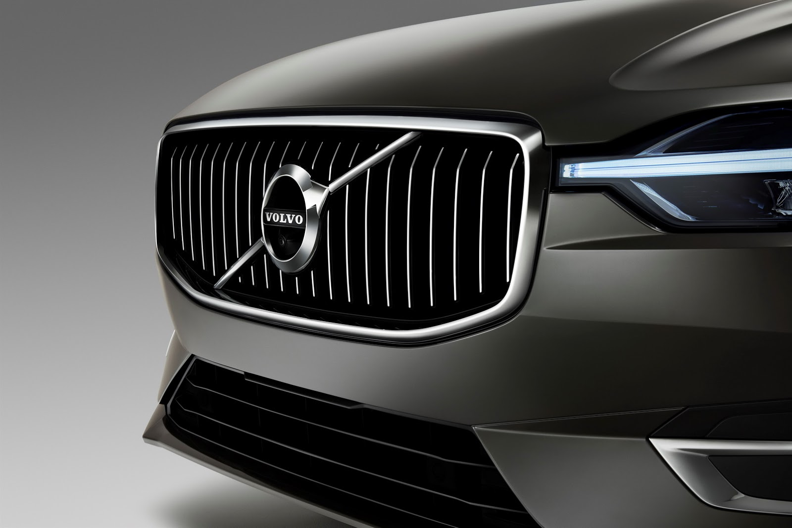Volvo XC60 2018 (4)