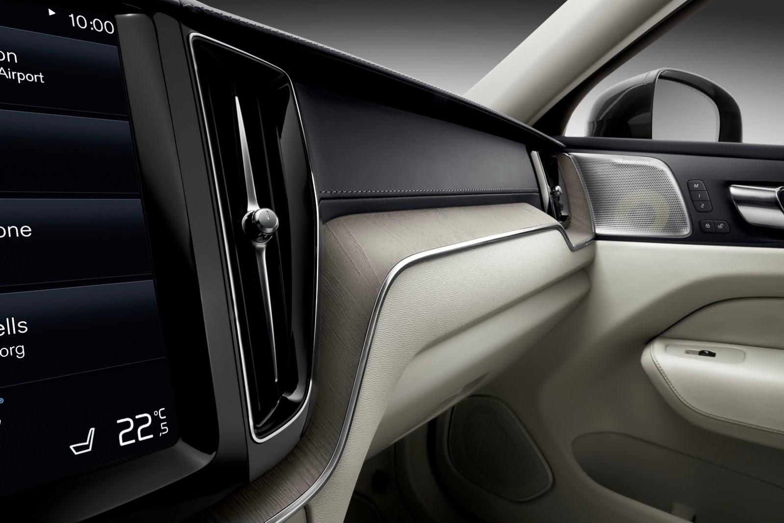 Volvo XC60 2018 (71)