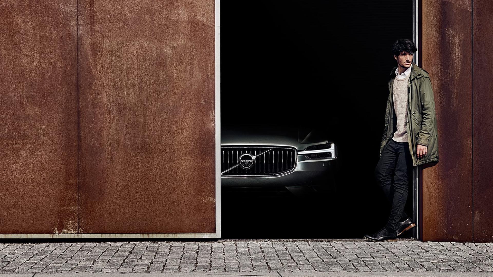 Volvo_XC60_Teaser_01