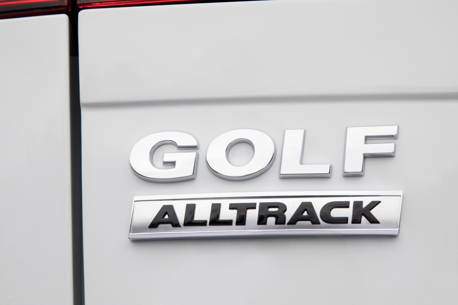 2018-VW-Golf-2