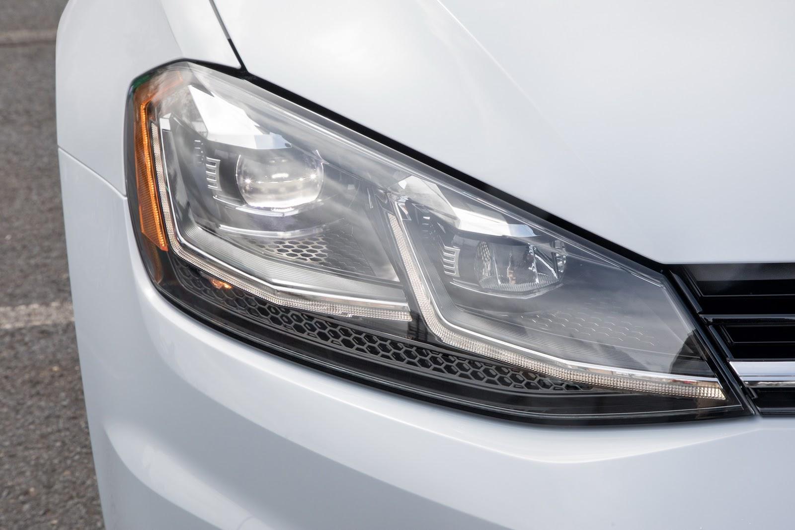 2018-VW-Golf-21