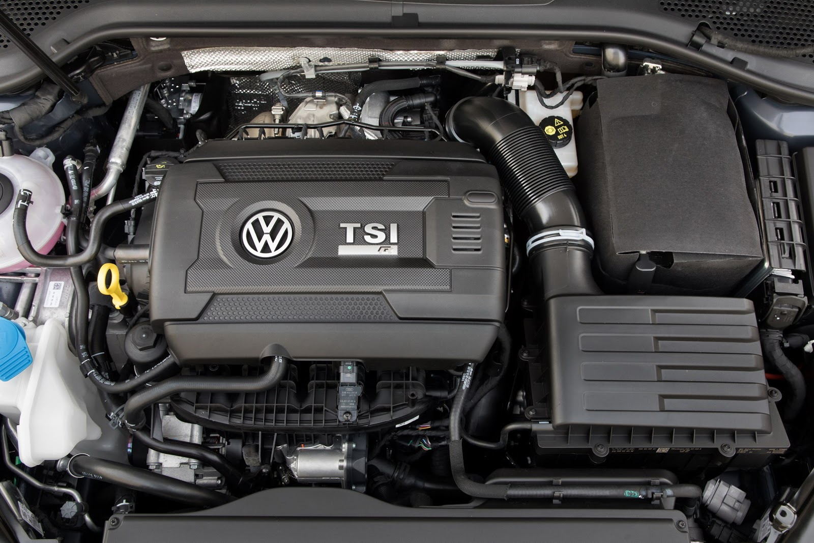 2018-VW-Golf-23