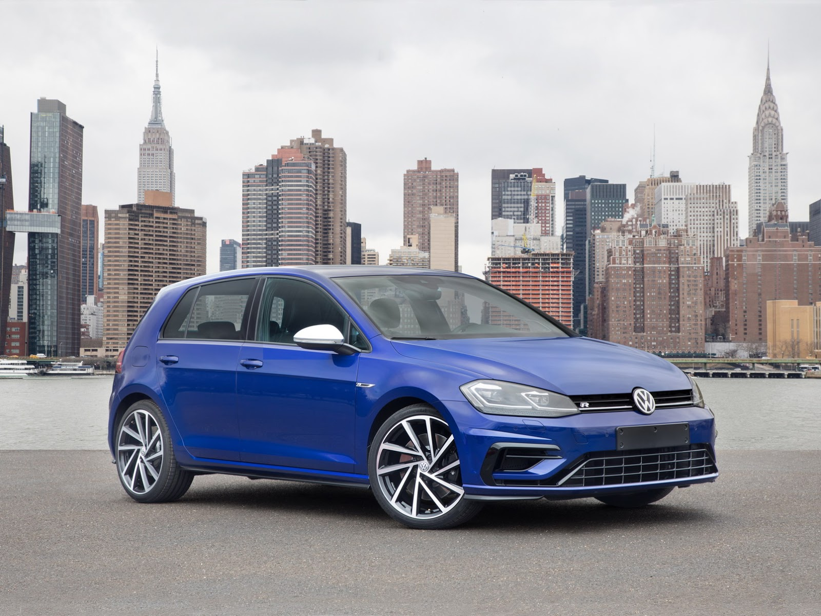 2018-VW-Golf-26