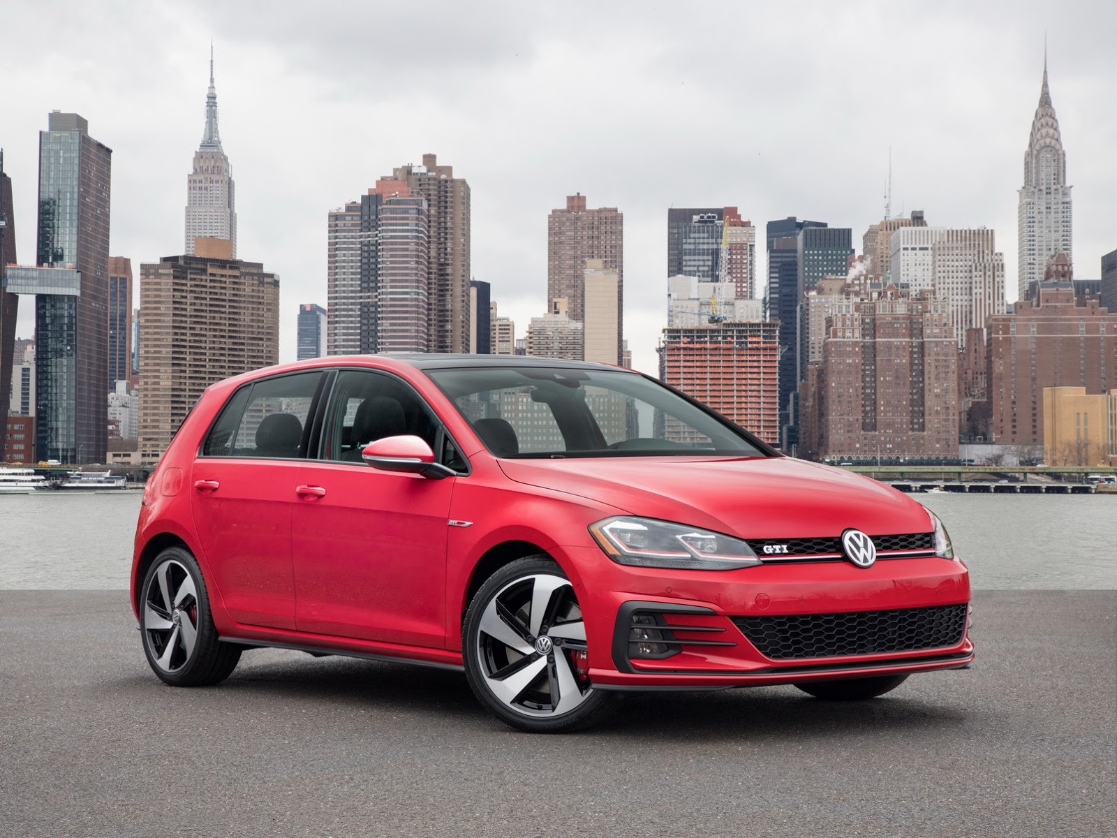 2018-VW-Golf-38