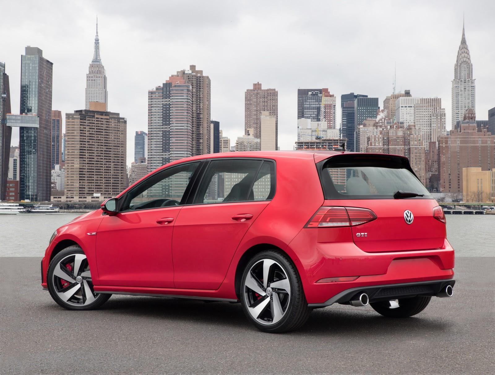 2018-VW-Golf-43