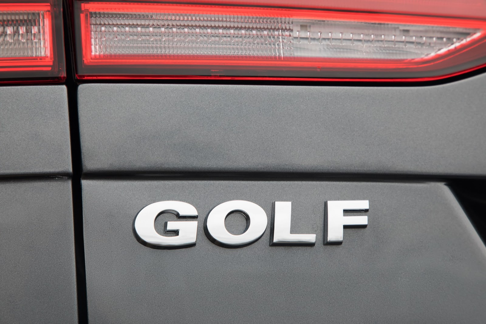 2018-VW-Golf-46