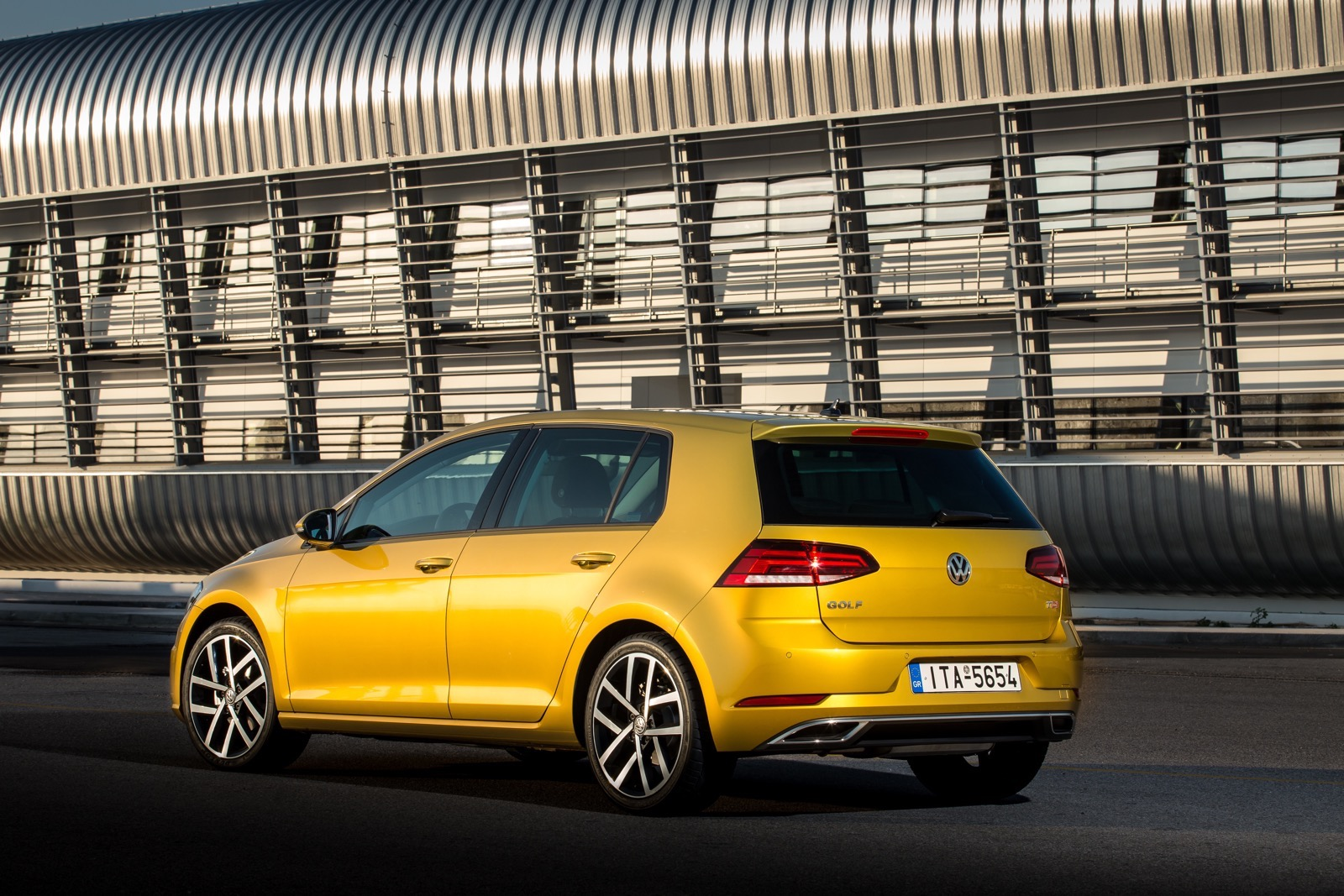 First_Drive_VW_Golf_facelift_23