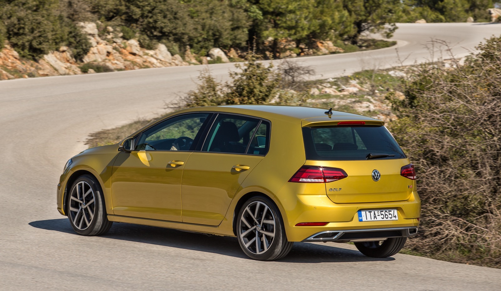 First_Drive_VW_Golf_facelift_24