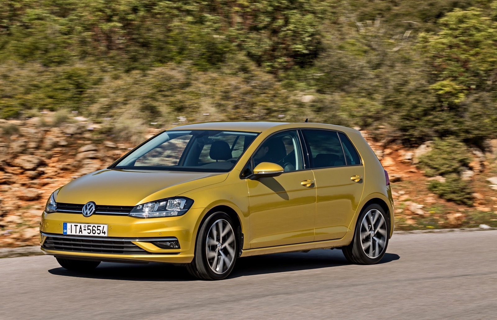 First_Drive_VW_Golf_facelift_31