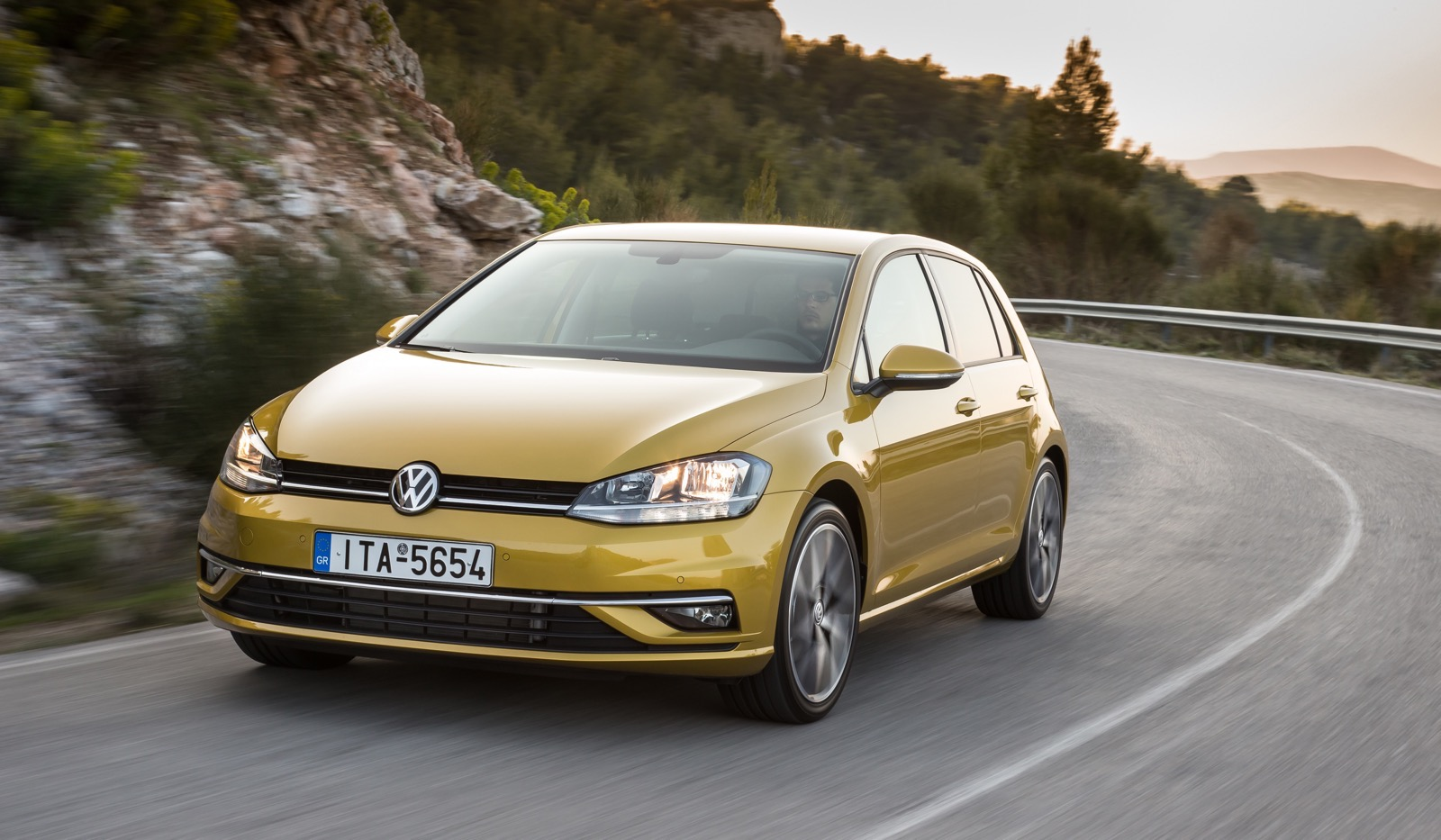 First_Drive_VW_Golf_facelift_43