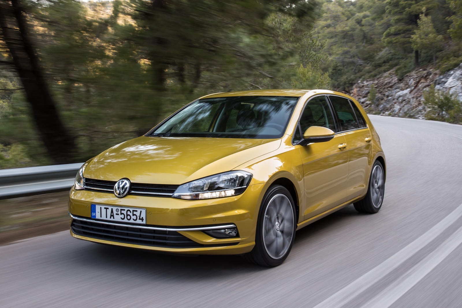 First_Drive_VW_Golf_facelift_47