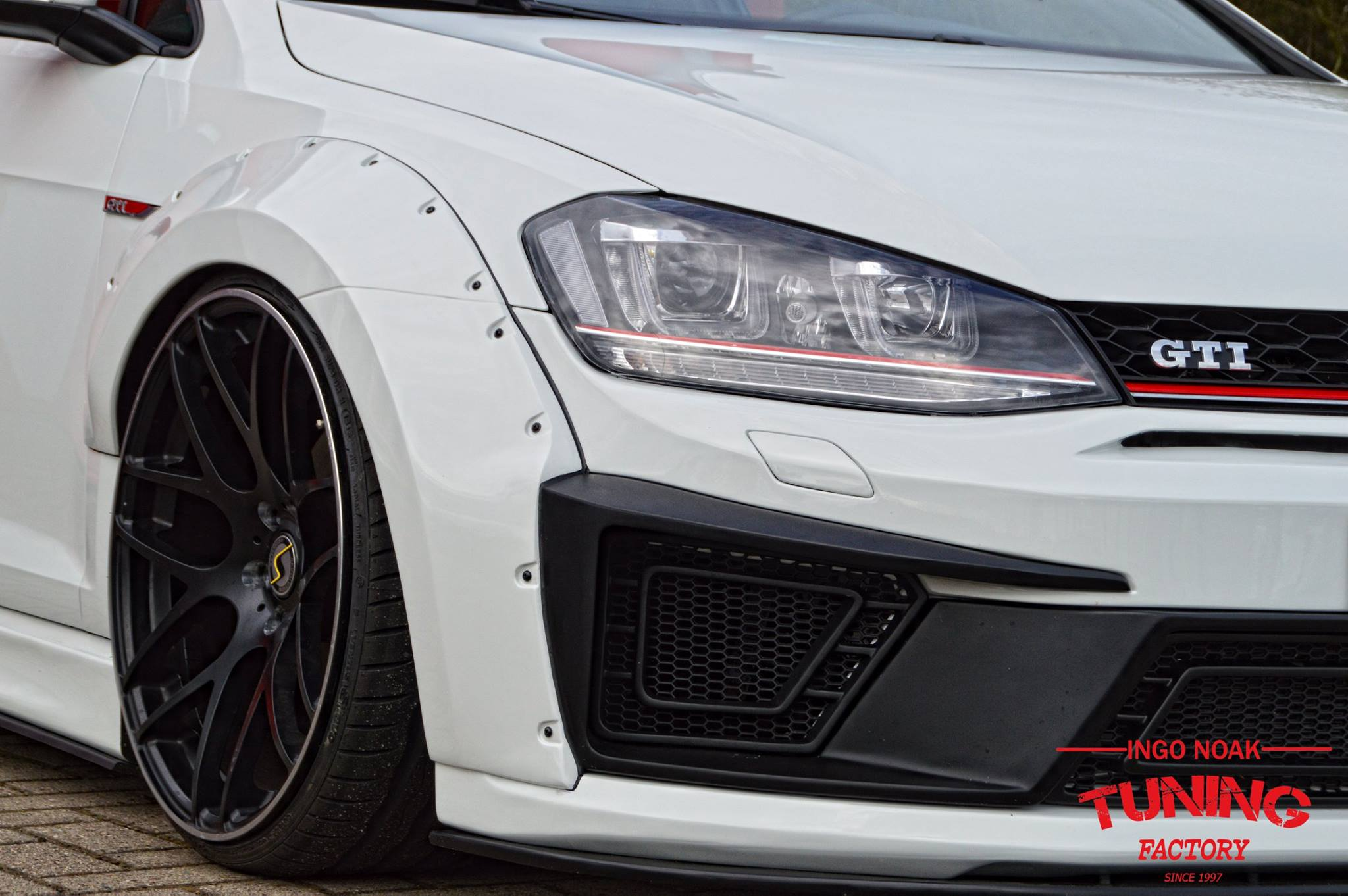 VW_Golf_GTI_by_Ingo_Noak_04
