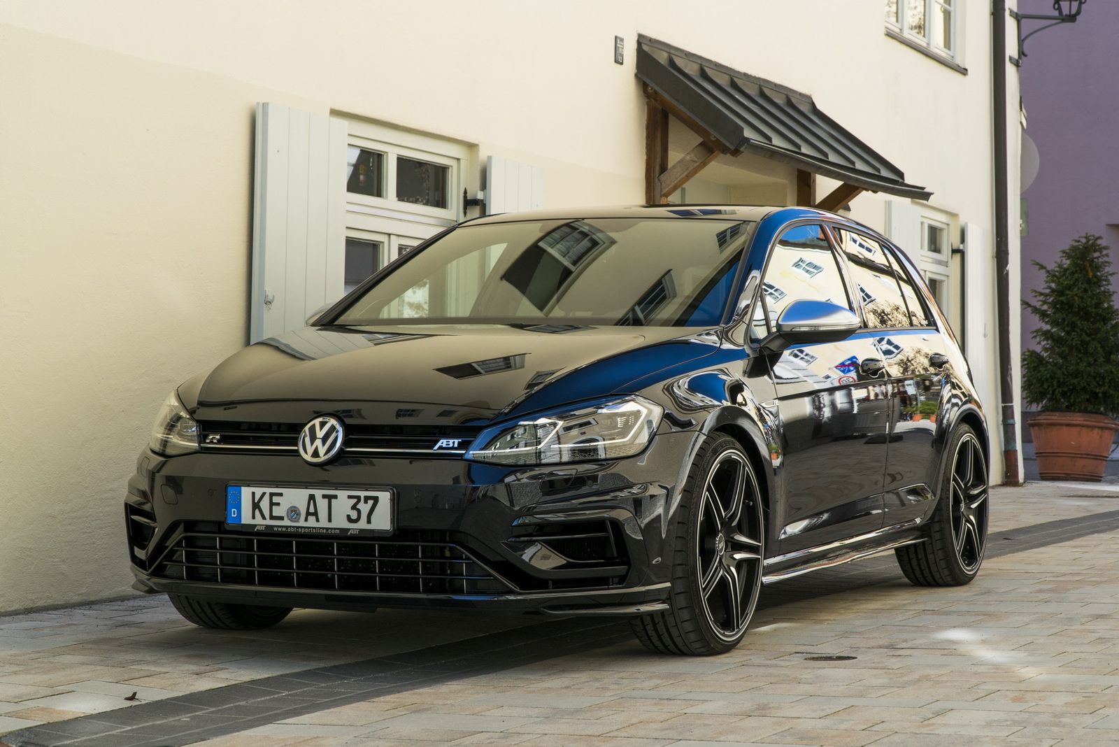 VW_Golf_R_by_ABT_00