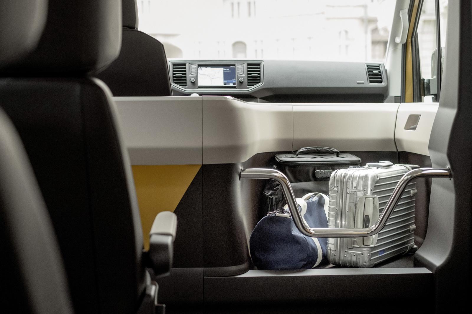 VW-Moia-Ride-Pooling-Van-08