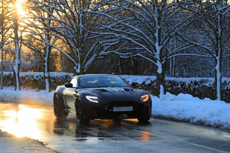 Winter_tests_Aston_Martin_Vanquish_0002