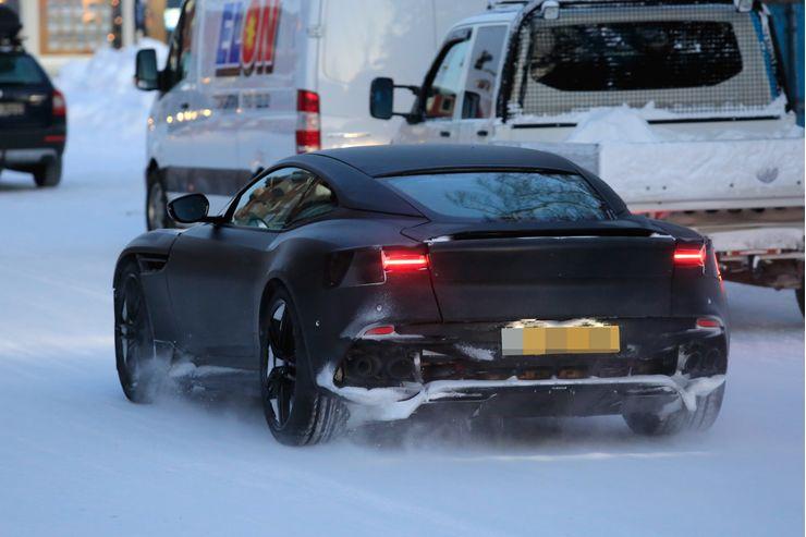 Winter_tests_Aston_Martin_Vanquish_0005