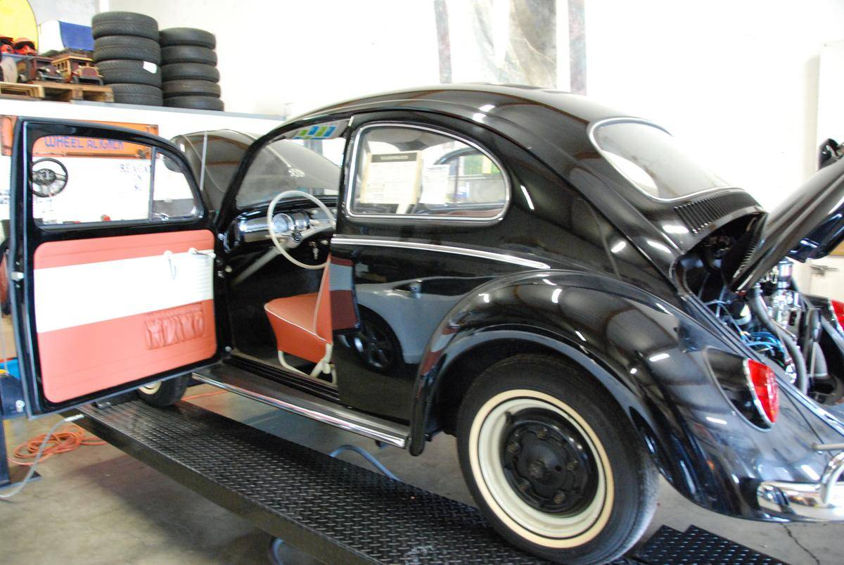 1964_Volkswagen_Beetle_for_Sale_0003