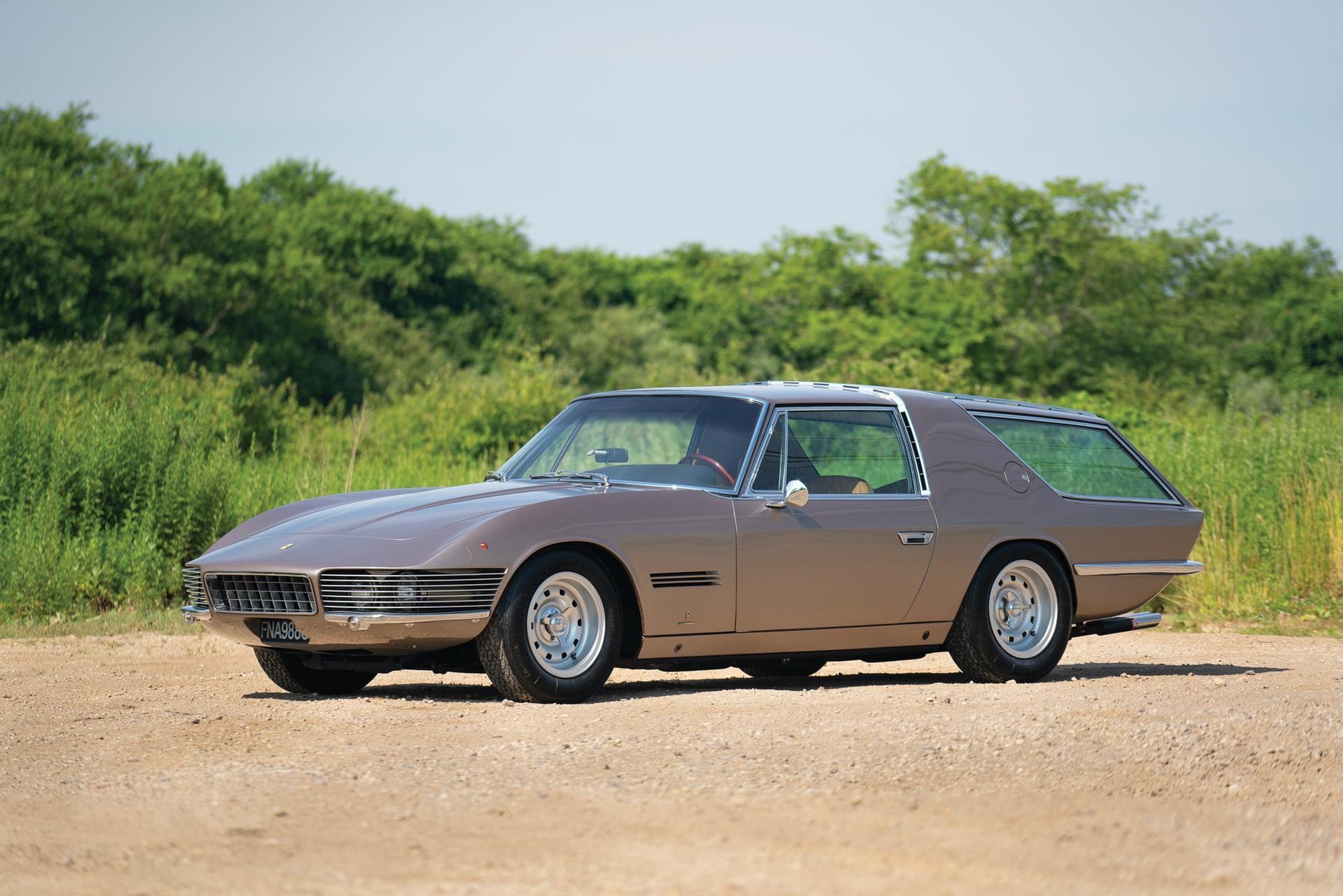 1965_Ferrari_330_GT_2+2_Shooting_Brake_by_Vignale_0000