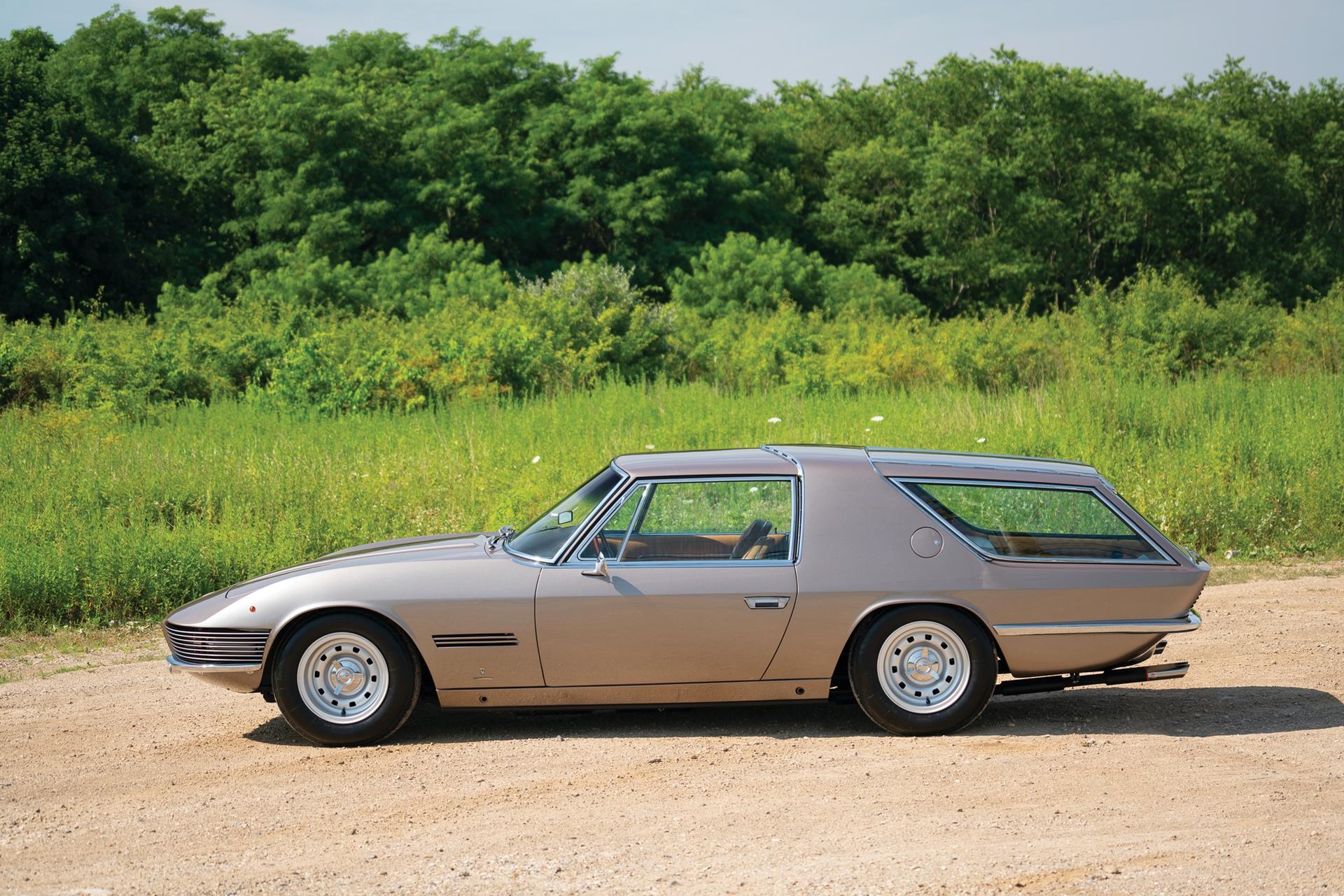 1965_Ferrari_330_GT_2+2_Shooting_Brake_by_Vignale_0003