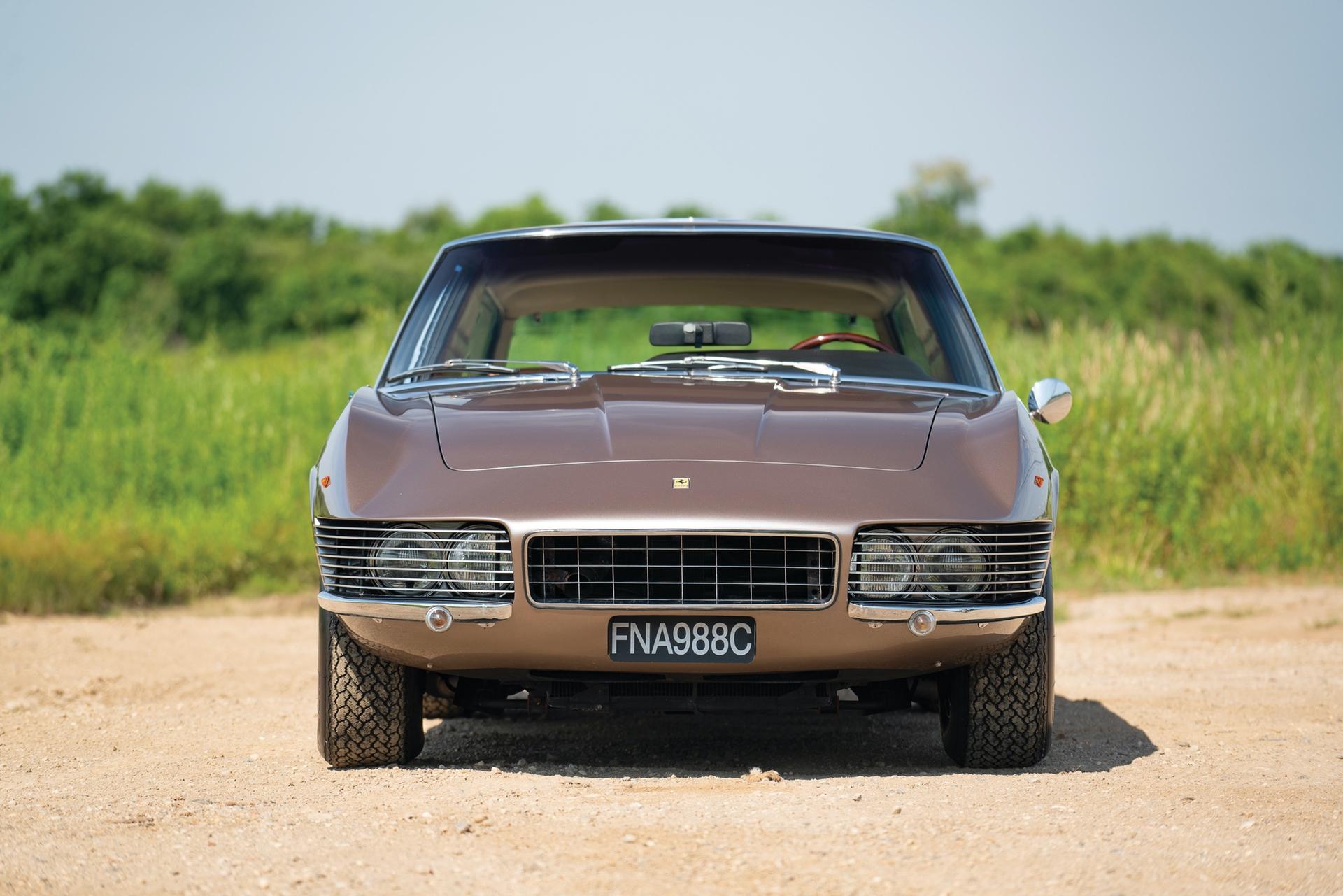 1965_Ferrari_330_GT_2+2_Shooting_Brake_by_Vignale_0004