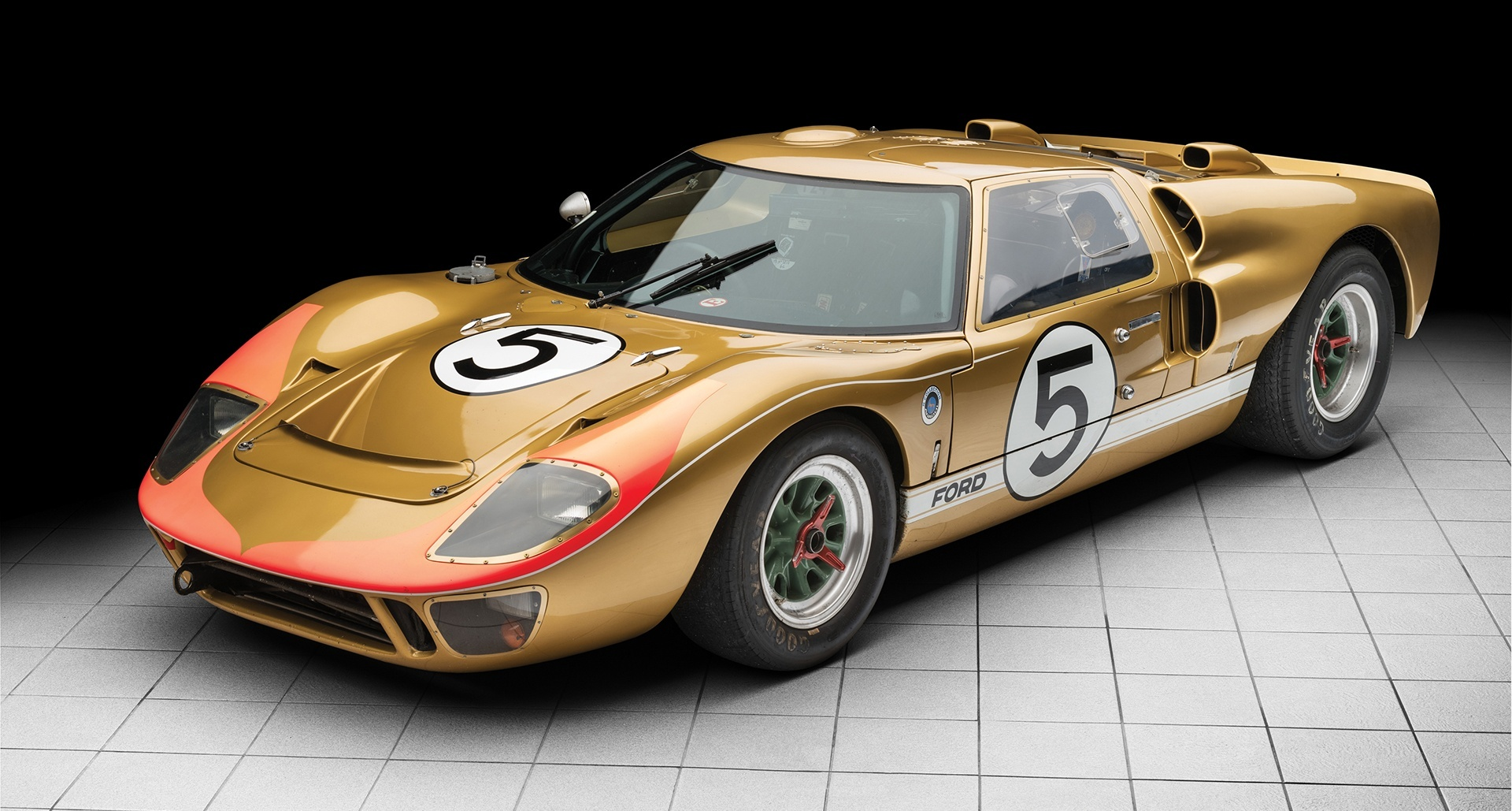 1966_Ford_GT40_auction_0000