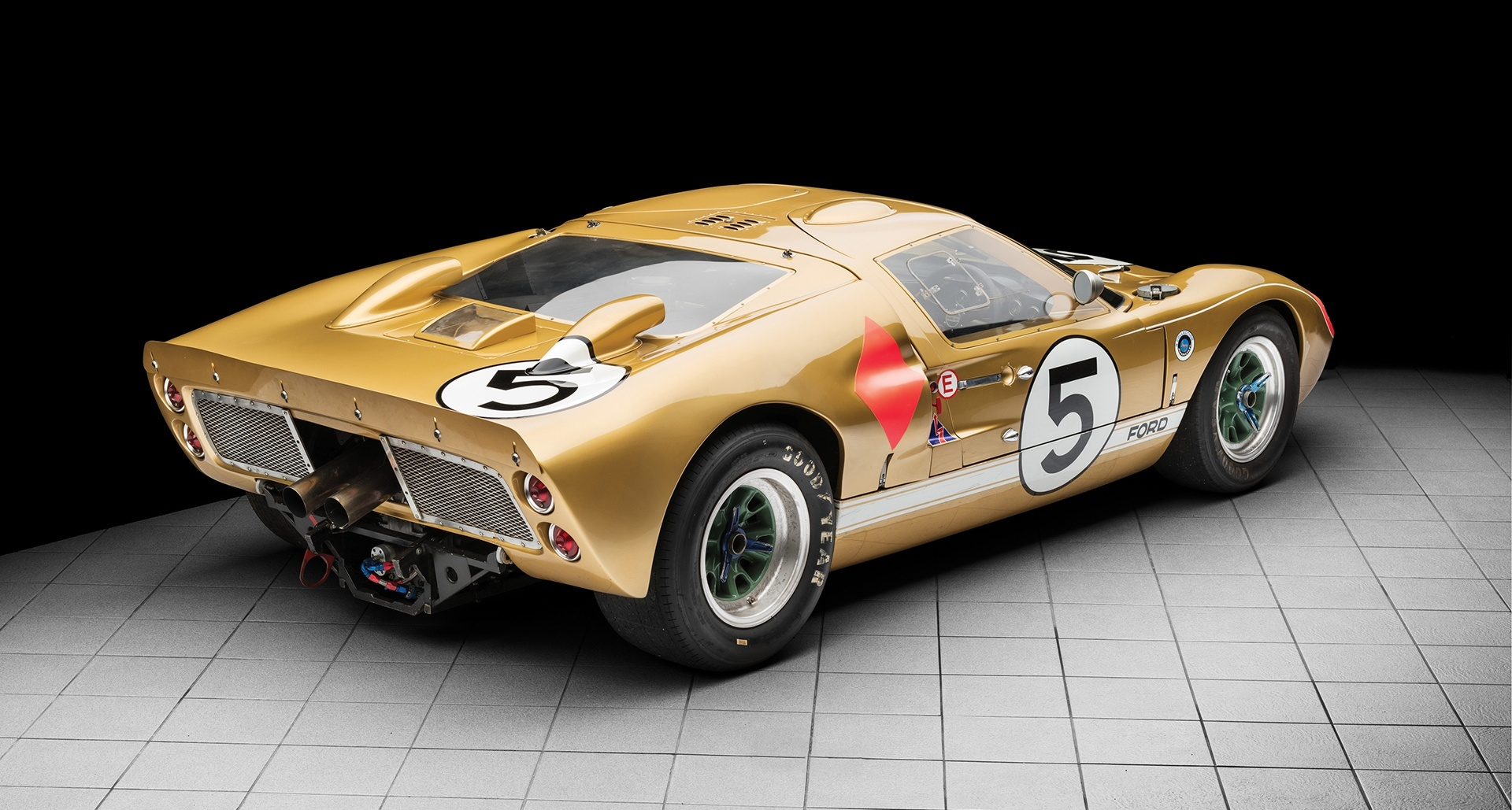 1966_Ford_GT40_auction_0001