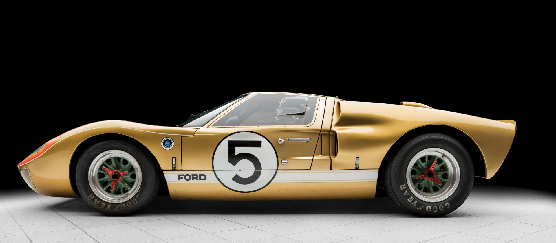 1966_Ford_GT40_auction_0004