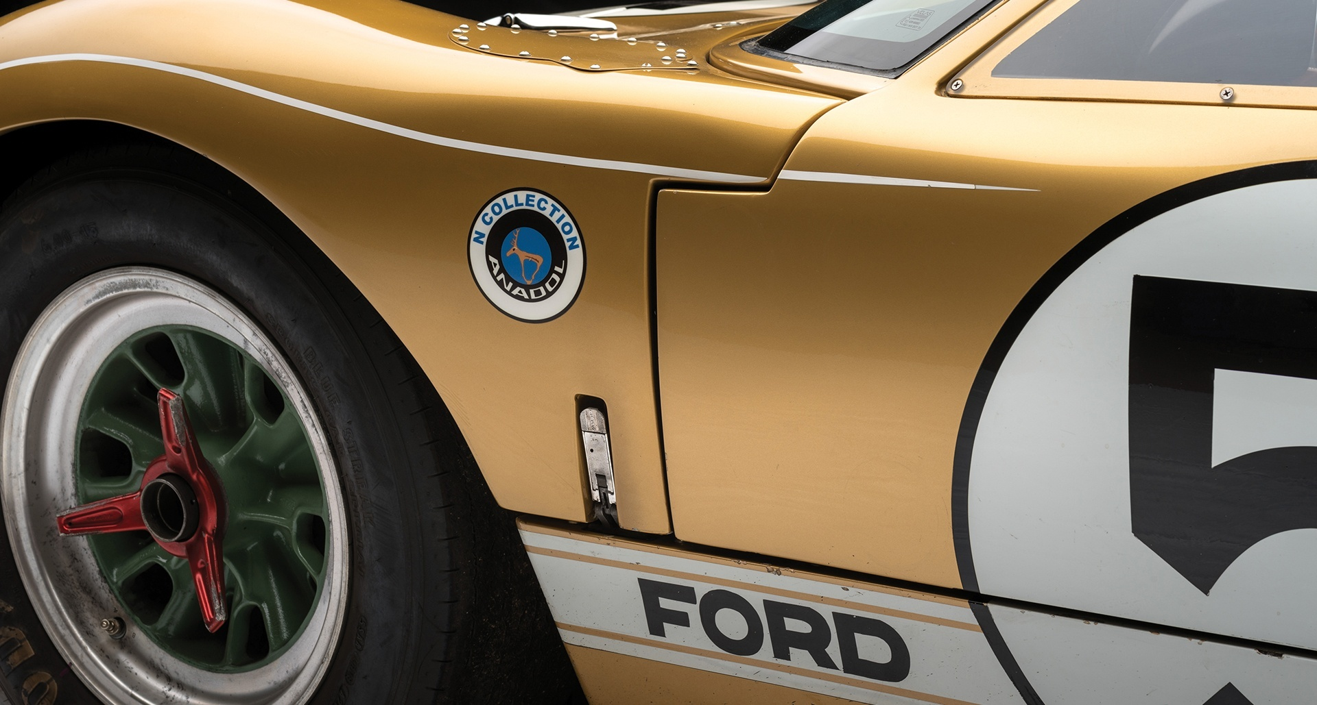 1966_Ford_GT40_auction_0008