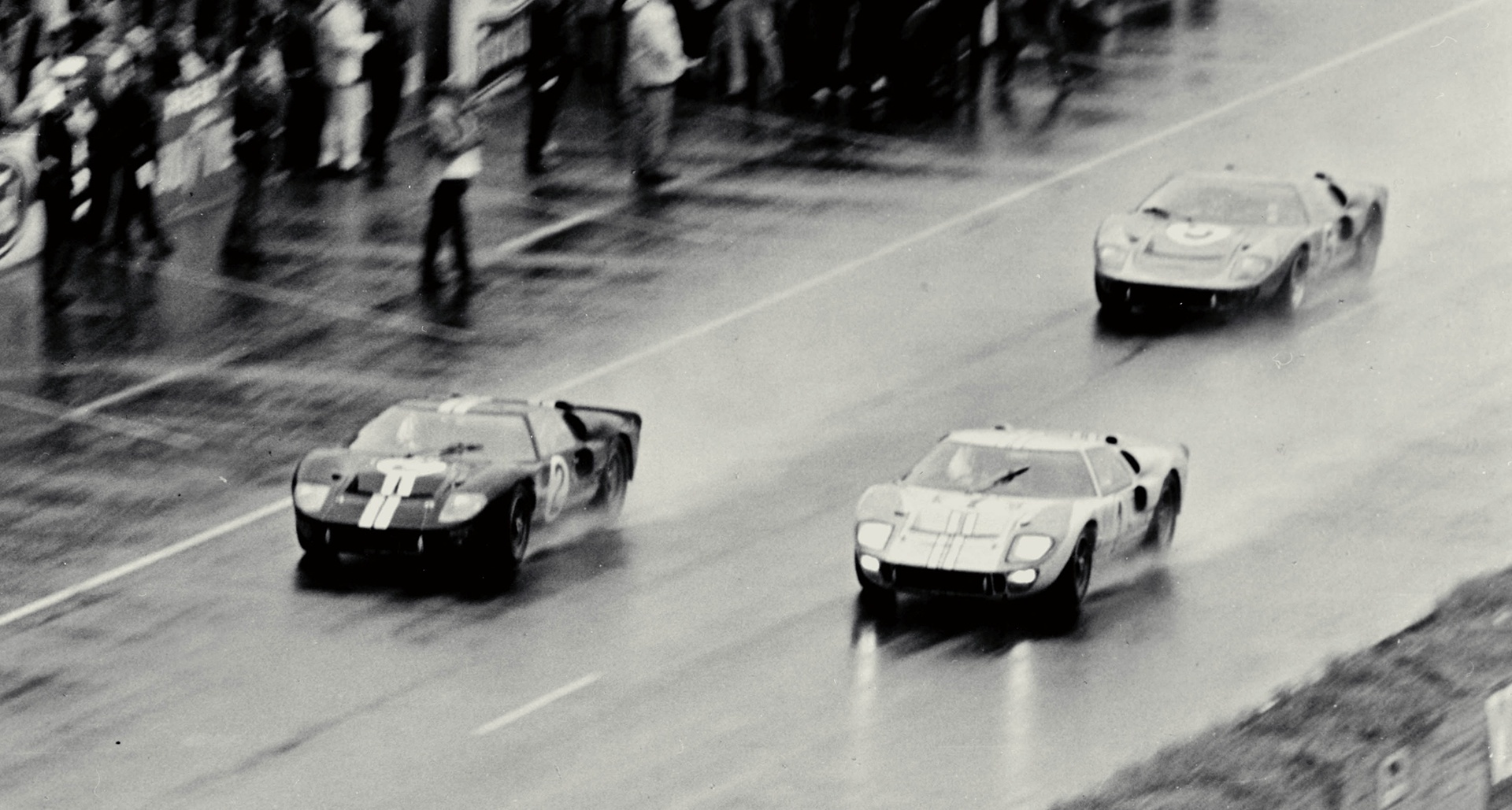 1966_Ford_GT40_auction_0009