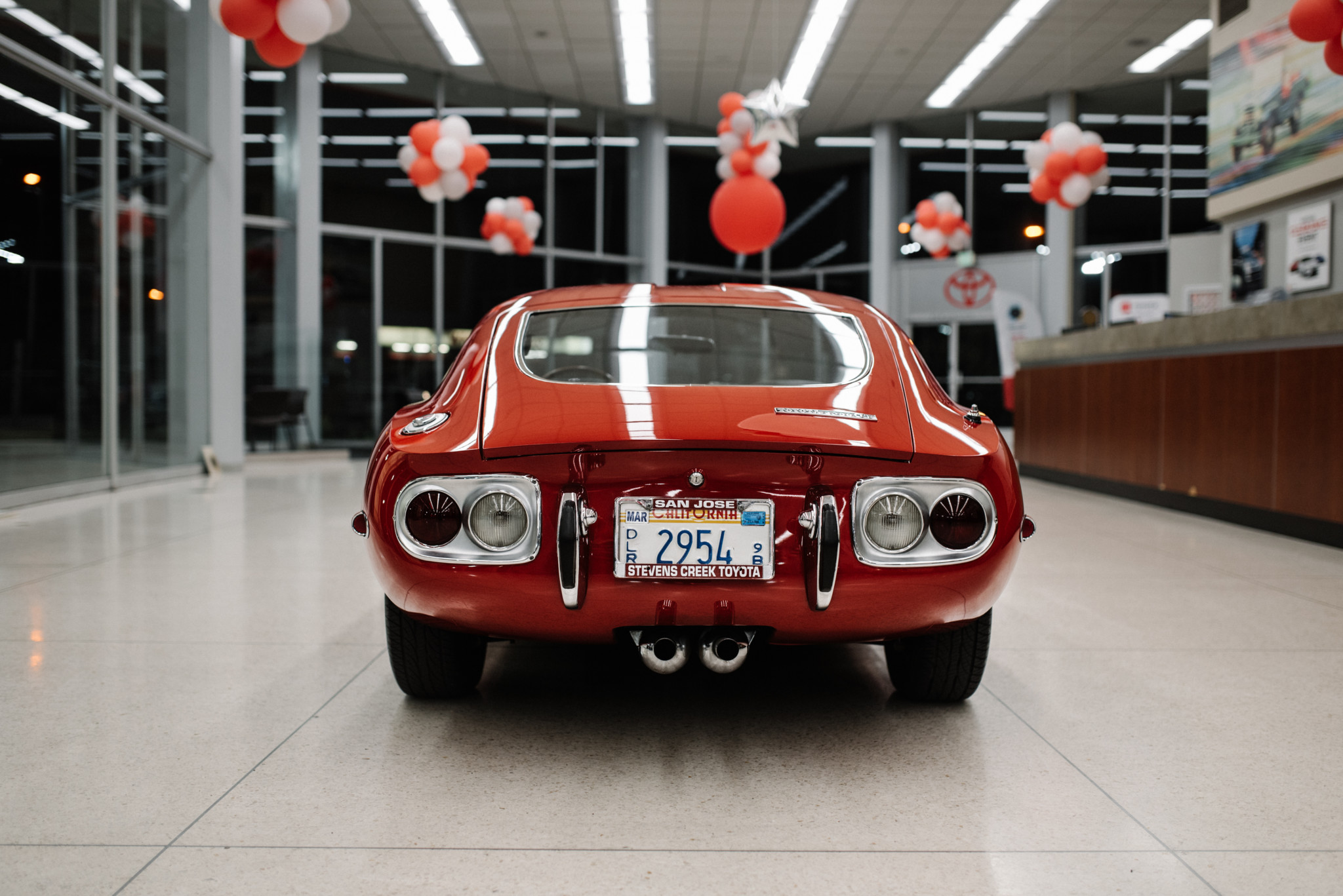 1967_Toyota_2000GT_0006