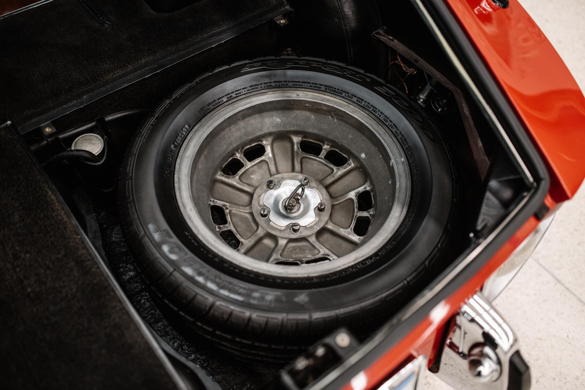 1967_Toyota_2000GT_0075