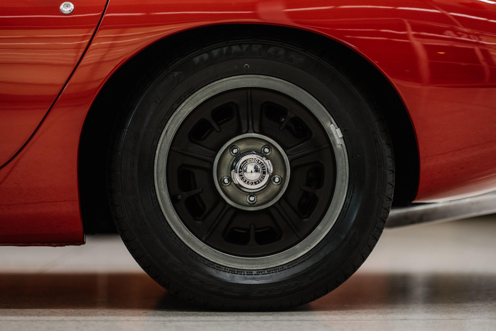 1967_Toyota_2000GT_0076