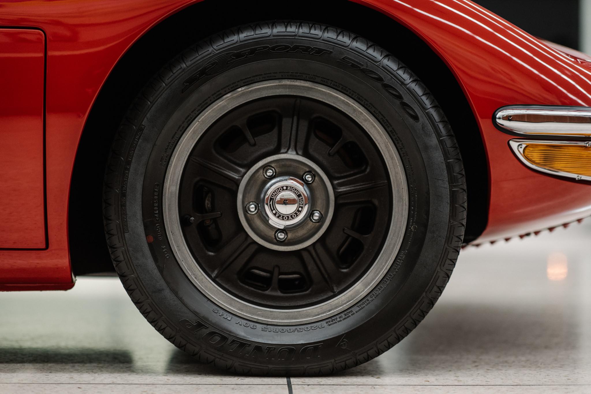1967_Toyota_2000GT_0077