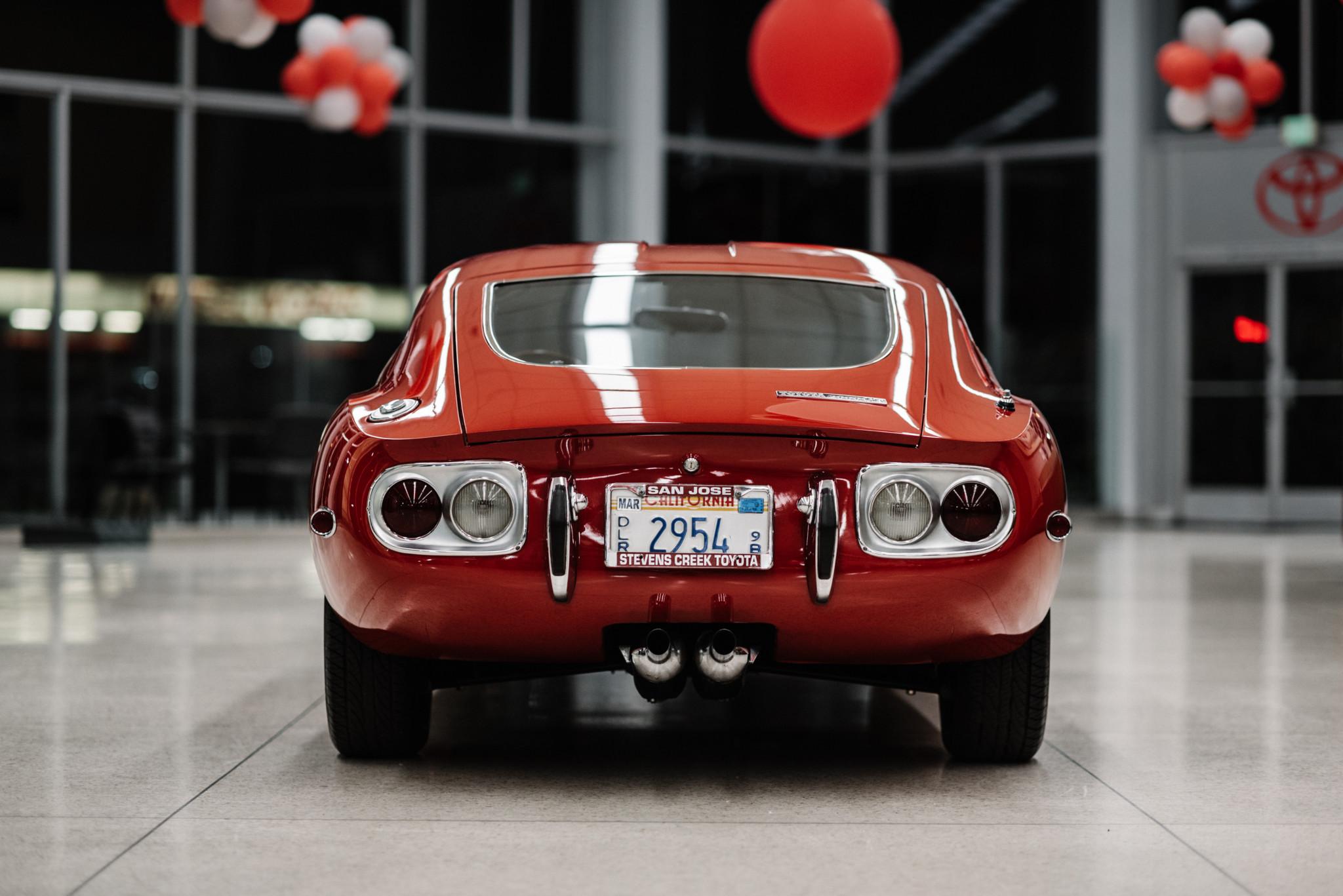 1967_Toyota_2000GT_0091