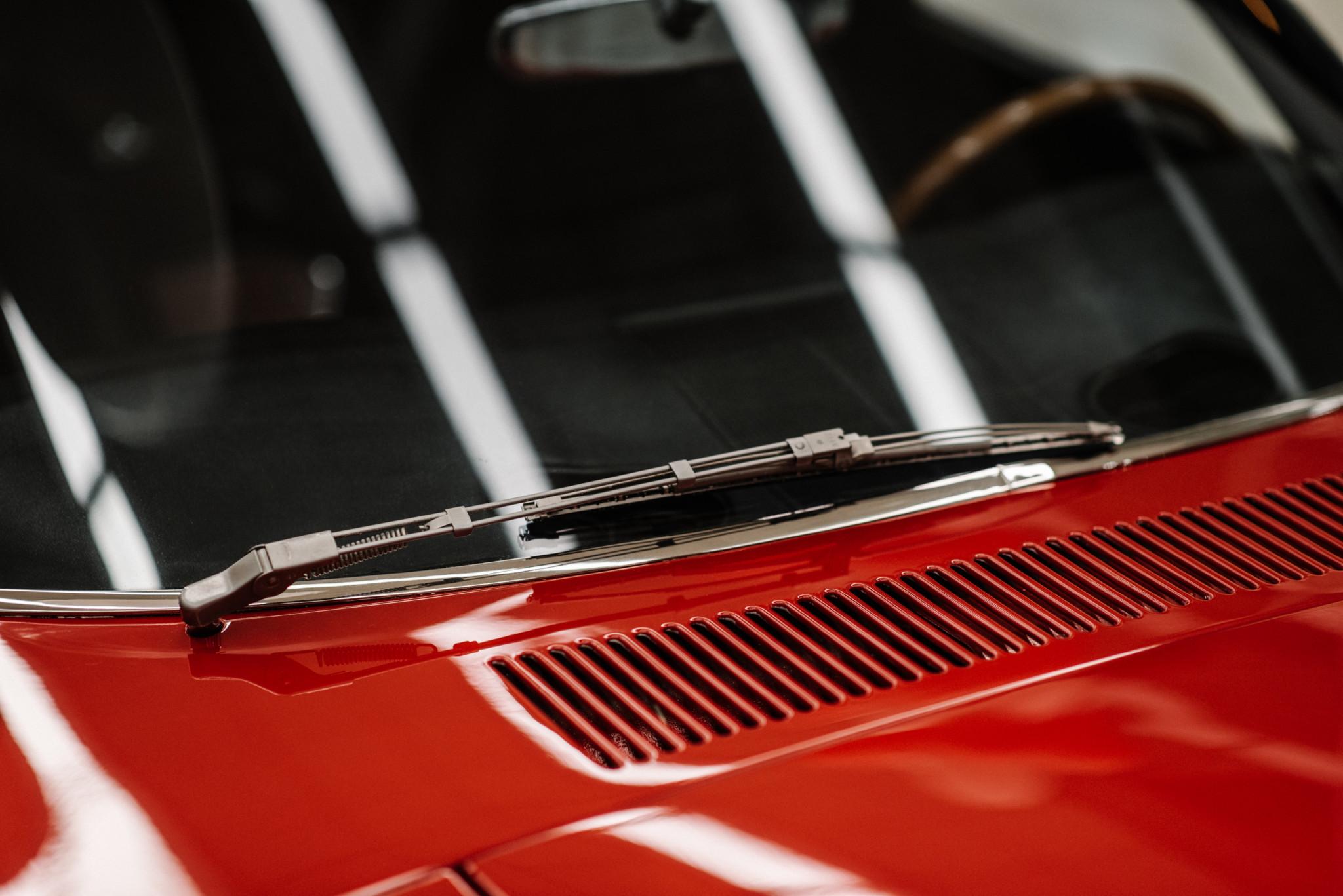 1967_Toyota_2000GT_0095