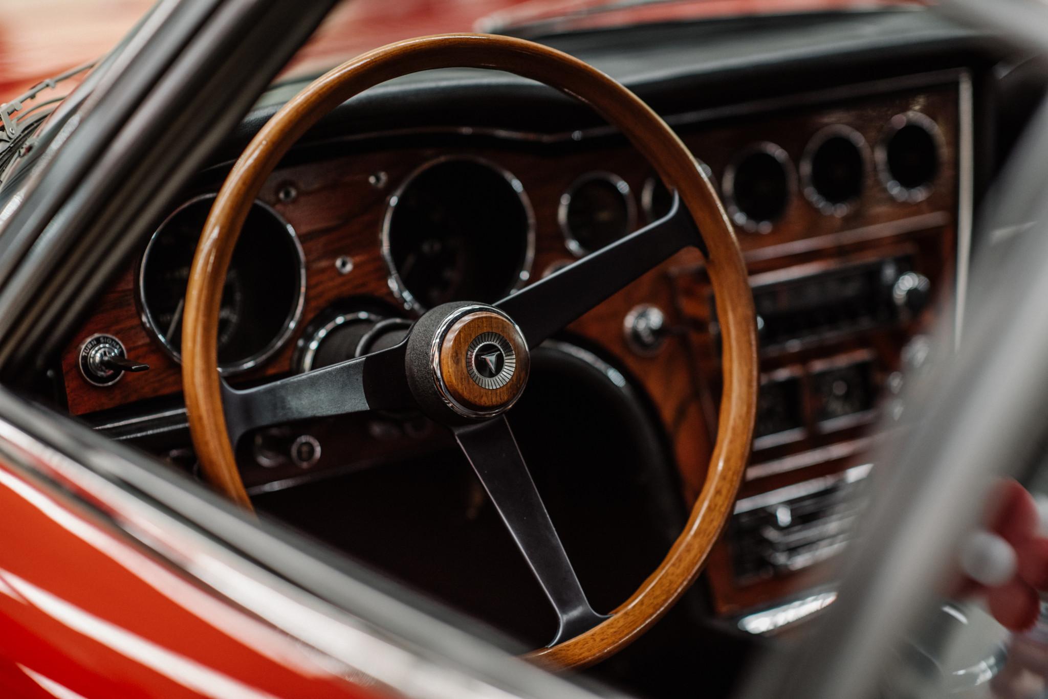 1967_Toyota_2000GT_0098