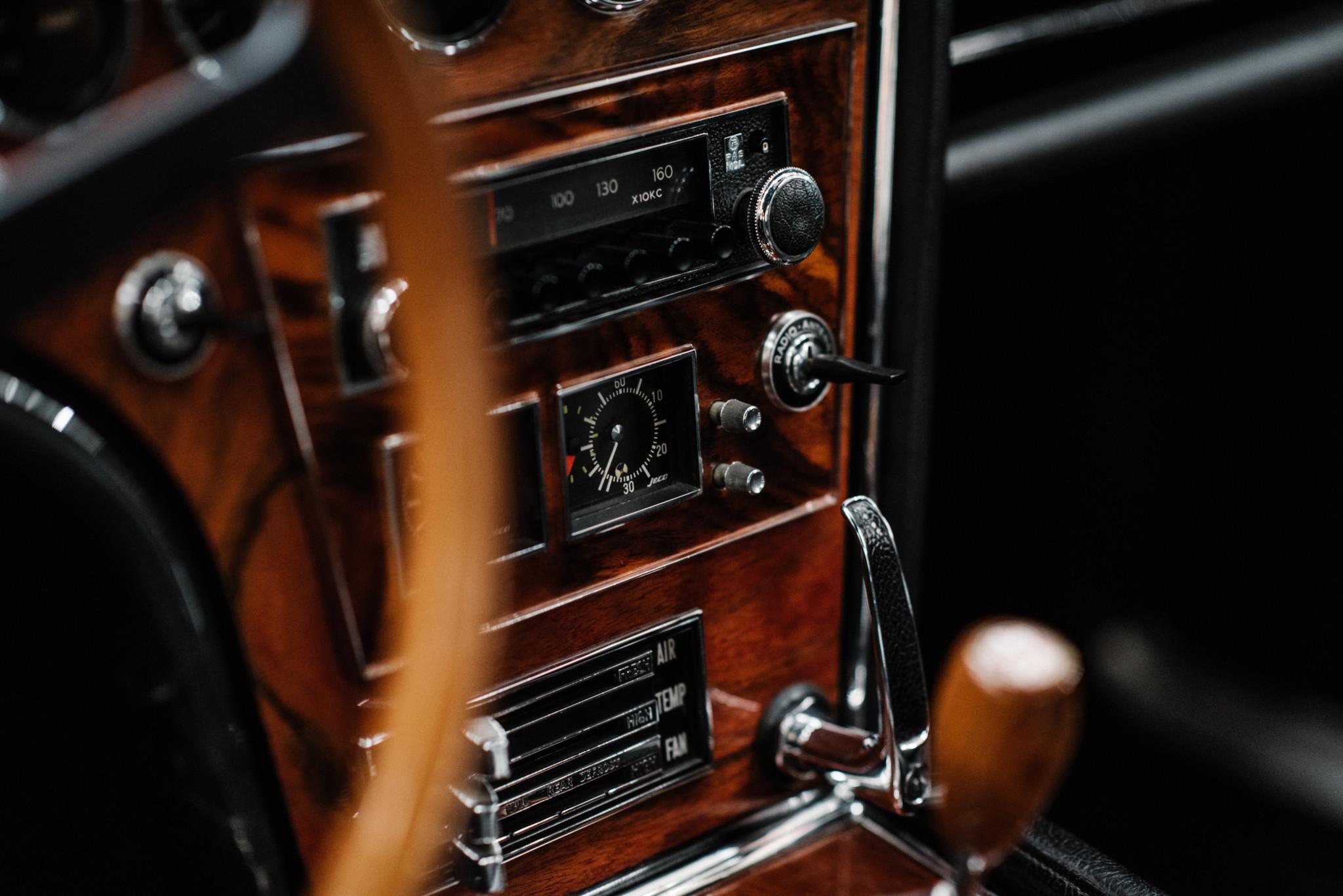 1967_Toyota_2000GT_0099