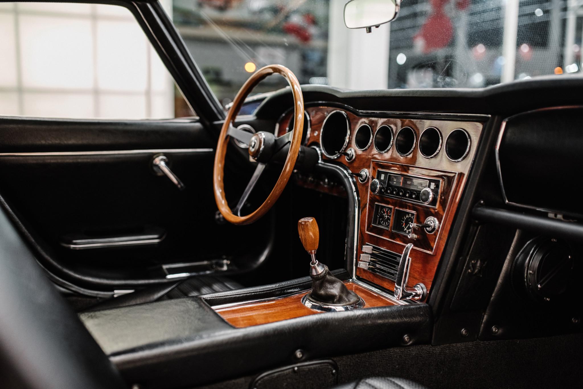 1967_Toyota_2000GT_0130