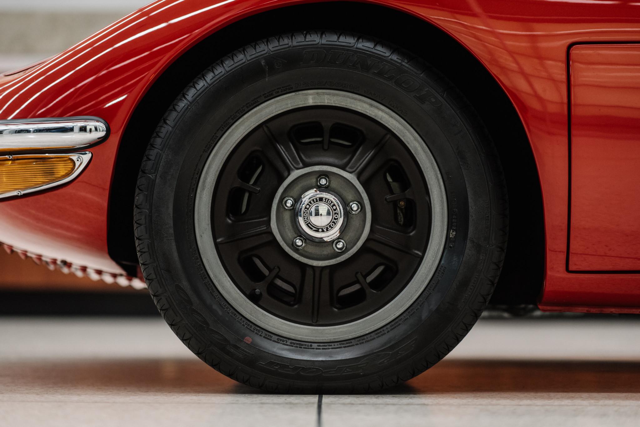 1967_Toyota_2000GT_0139