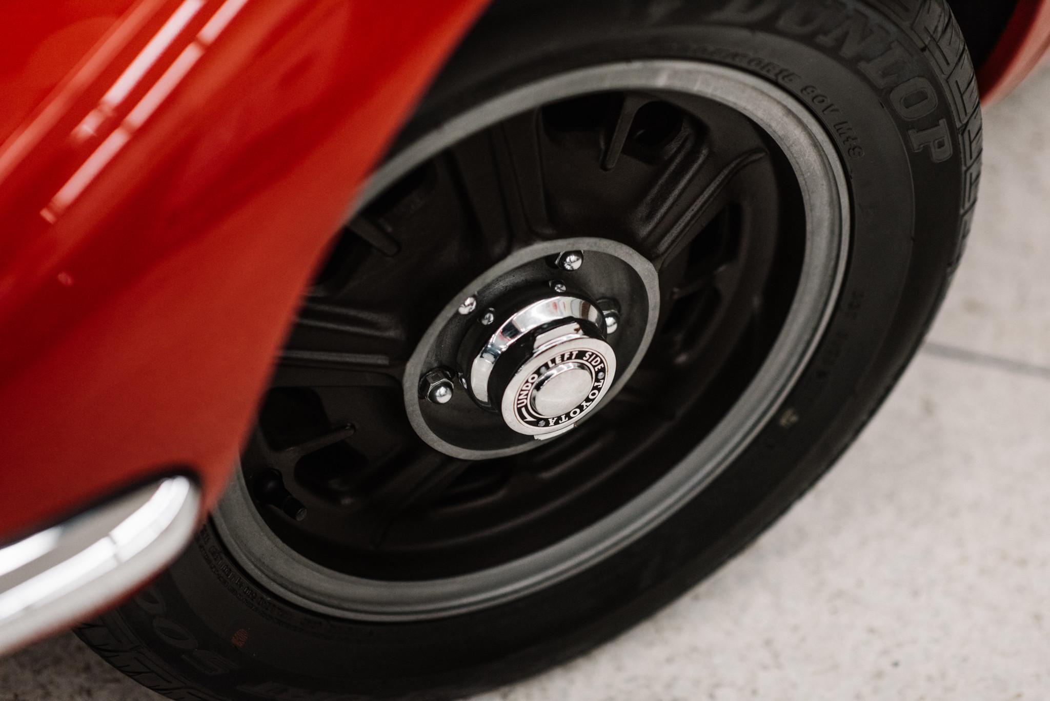 1967_Toyota_2000GT_0143