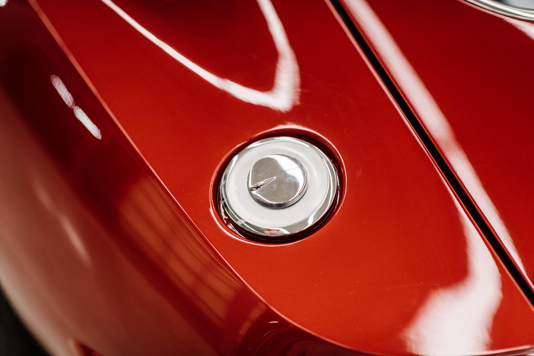 1967_Toyota_2000GT_0161