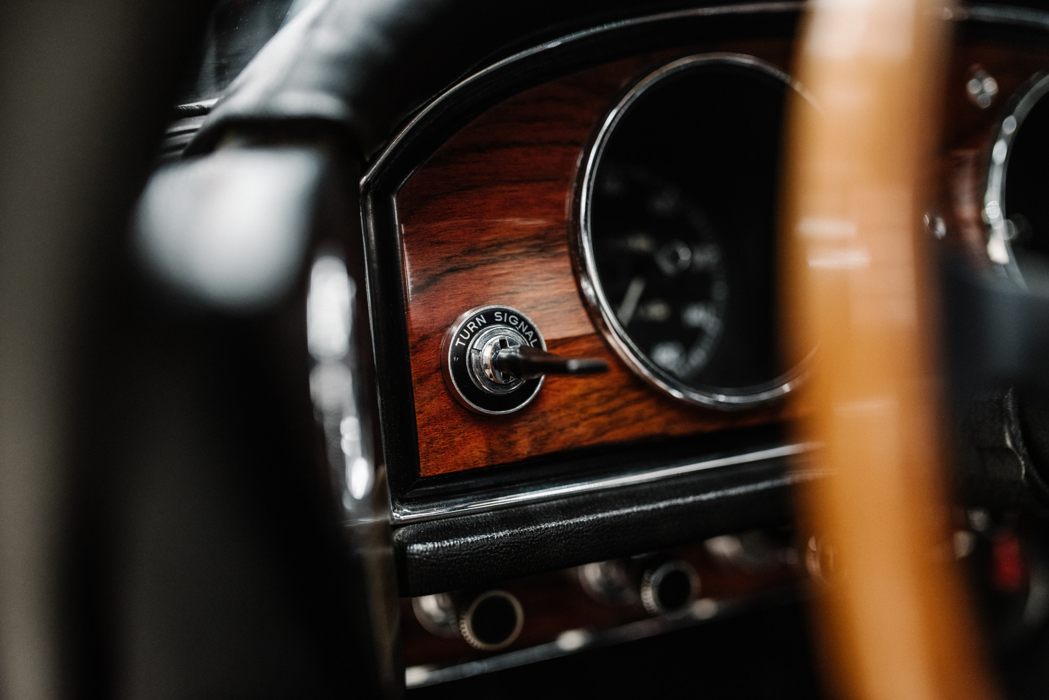 1967_Toyota_2000GT_0170
