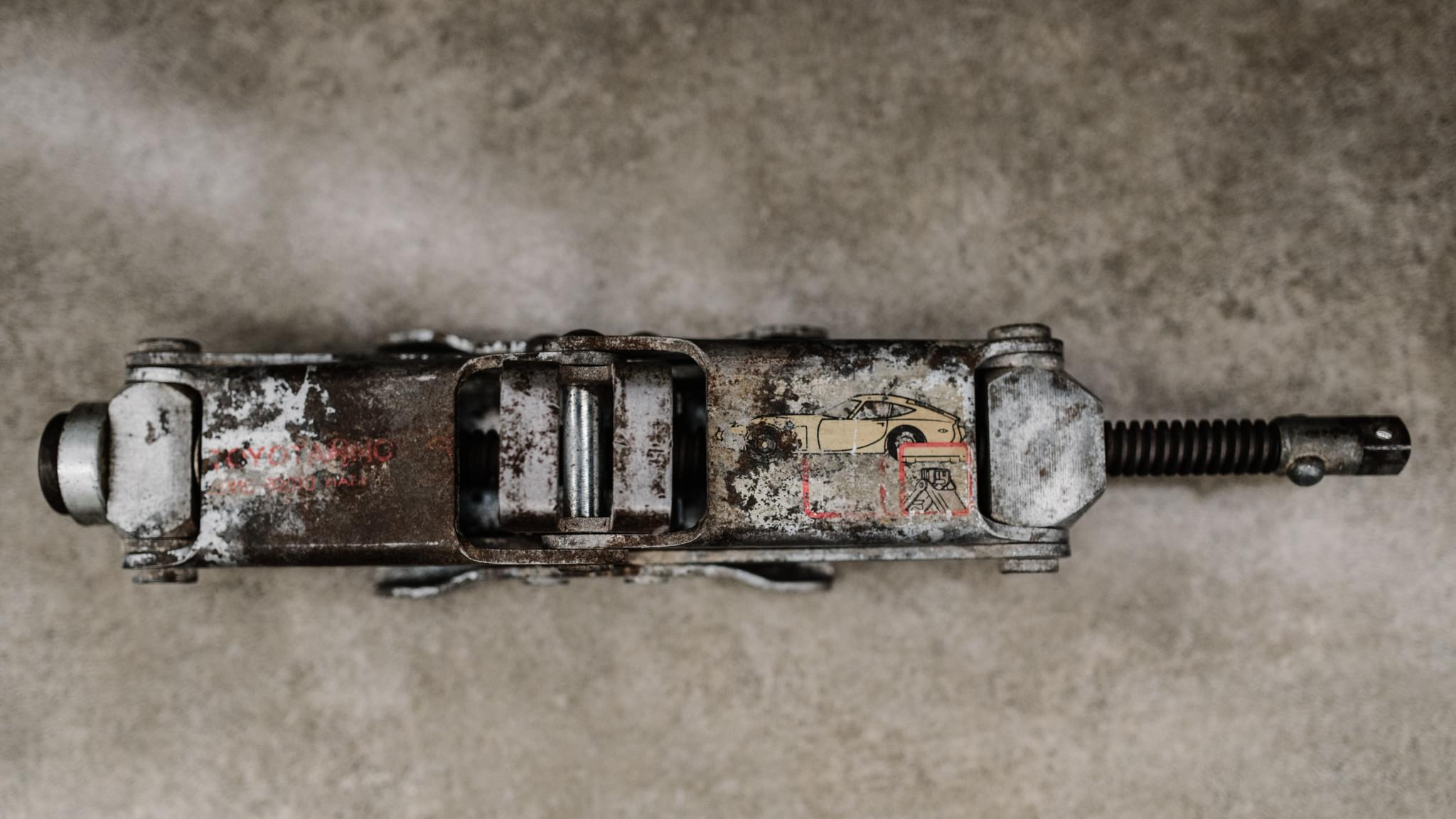 1967_Toyota_2000GT_0172
