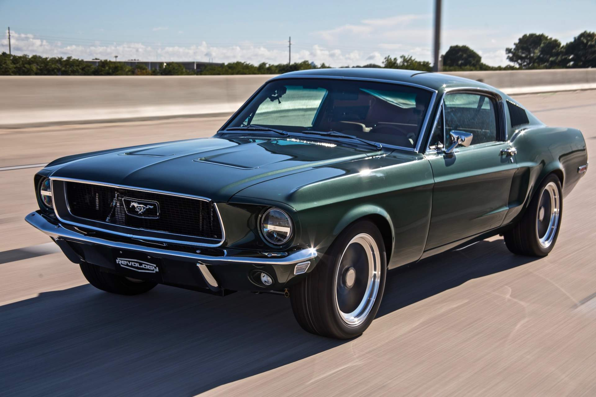 1968_Ford_Mustang_Fastback_by_Revology_0001