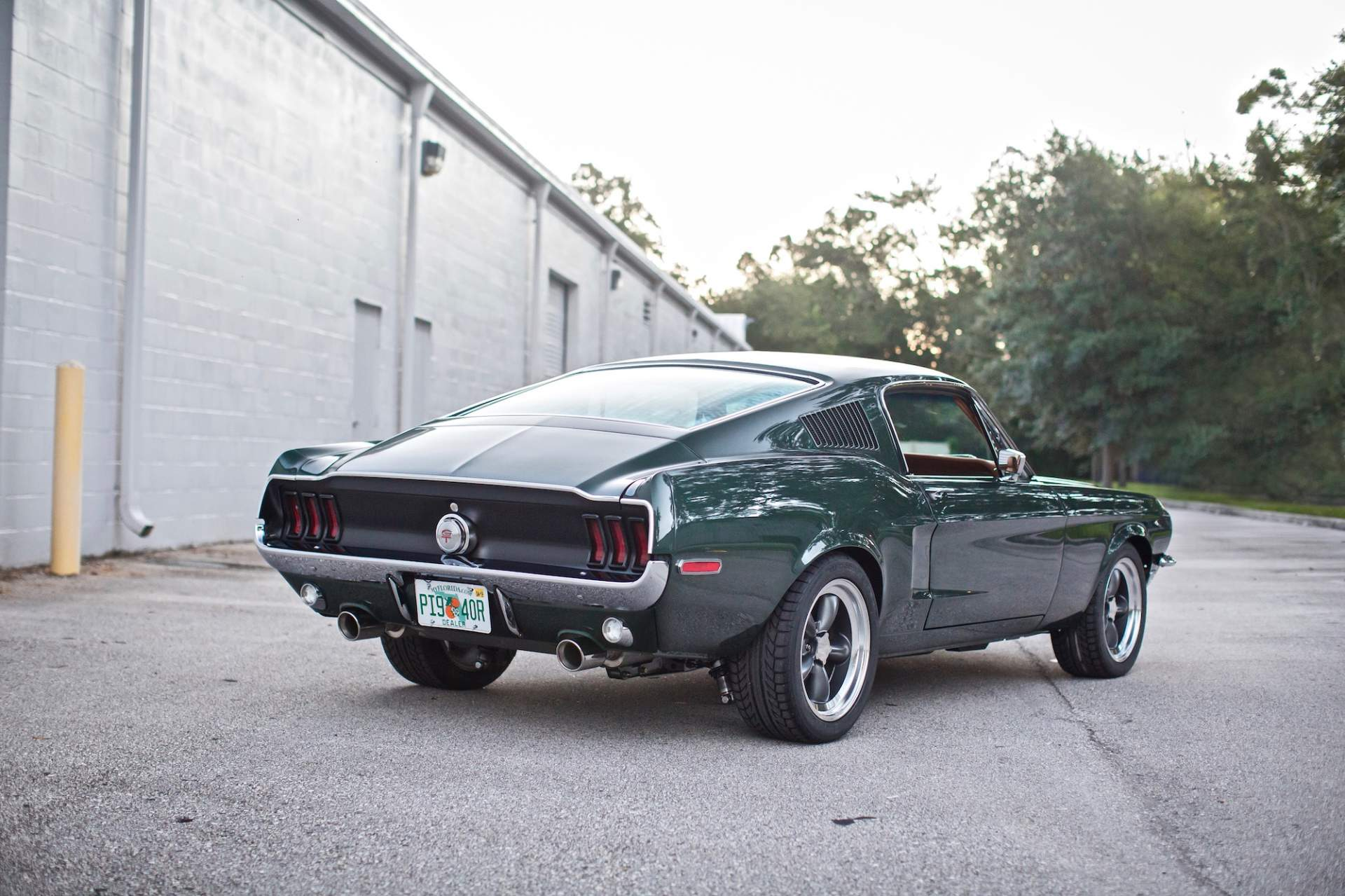1968_Ford_Mustang_Fastback_by_Revology_0002