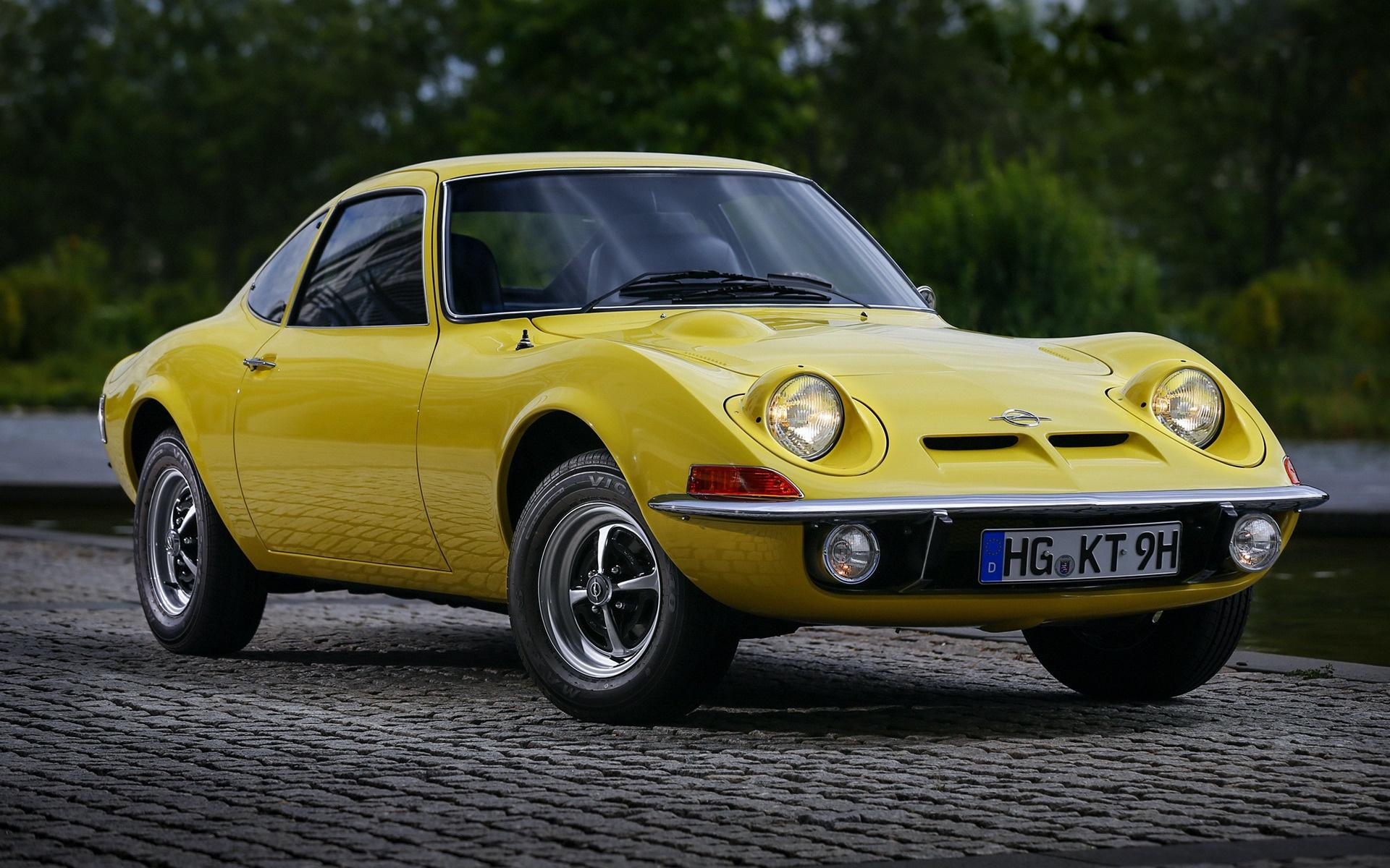 1968_Opel_GT_0004