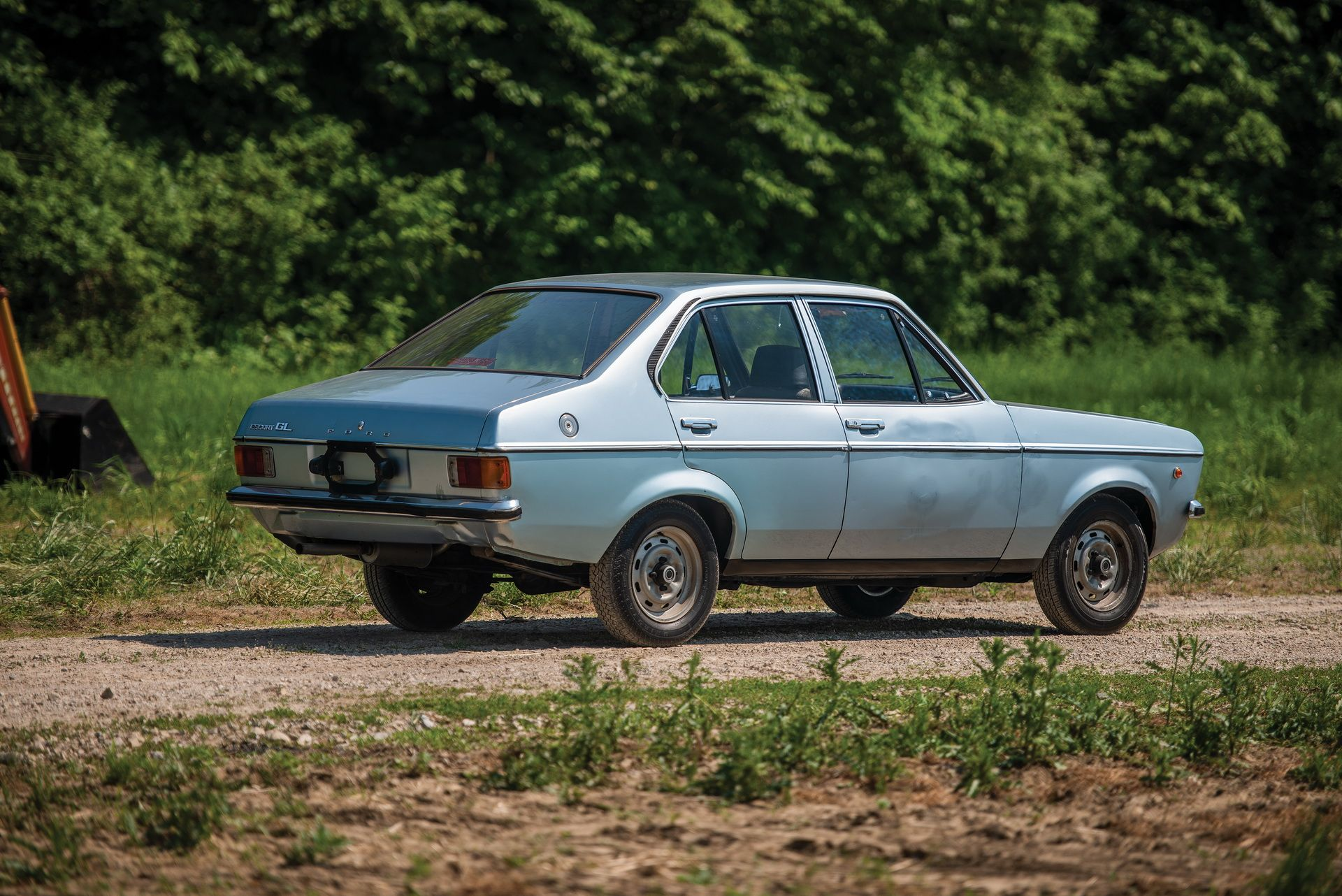 1976_Ford_Escort_1100_GL_Sedan_0000