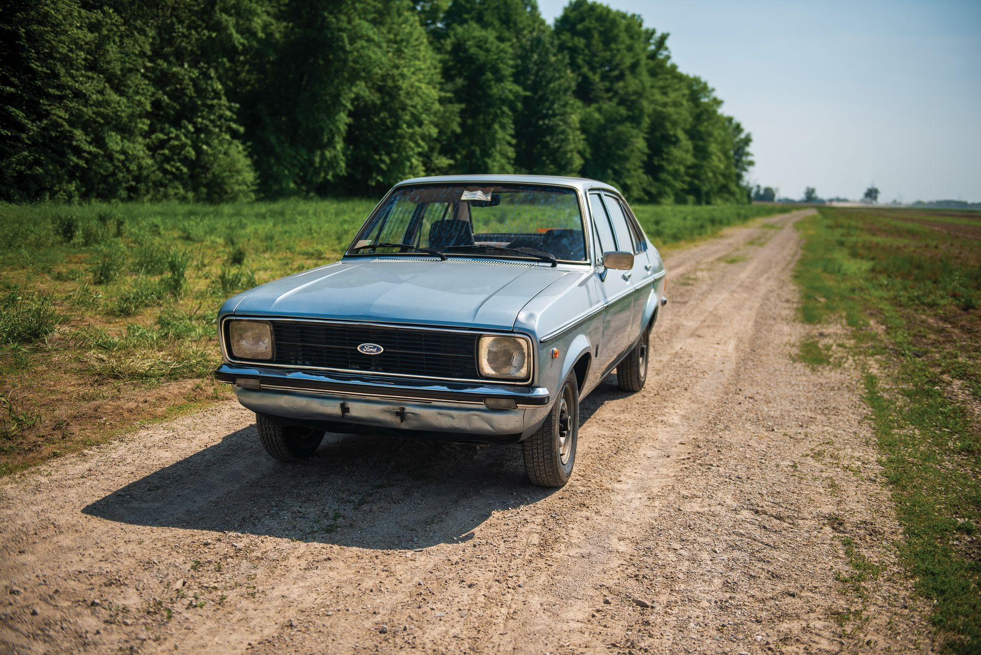 1976_Ford_Escort_1100_GL_Sedan_0002